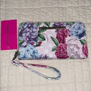 Betsey Johnson | Floral🌸Wallet